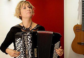 Mujeres Creando Band - Giordana Curati Fisarmonica
