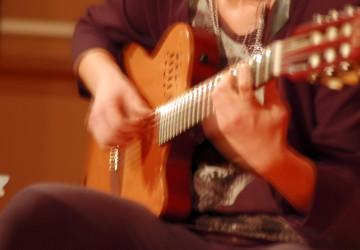 Mujeres Creando Band - Anna Claudia Postiglione, Chitarra